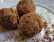 DARK CHOCOLATE TRUFFLES & TRUFFLE POPS @thesimplechocolatier
