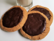 JUMBO PEANUT BUTTER COOKIES WITH DARK GANACHE