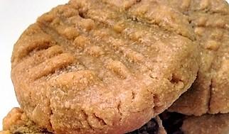 Flourless 3-Ingredient & 4-Ingredient Peanut Butter Cookies (1)